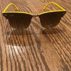 Super Cute Yellow and Brown Ray-Ban Sunglasses